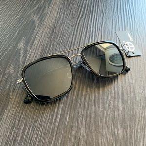 Accessories - Black/Silver Sunglasses